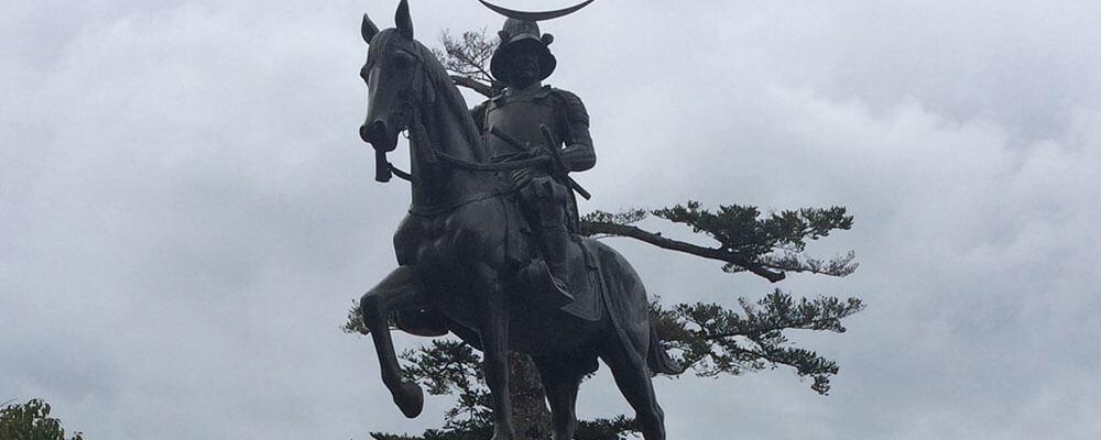 宮城県の伊達政宗の像